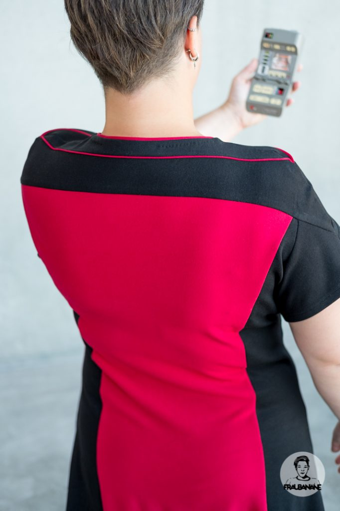 Star_Trek_Cosplay_TNG_Captain_Picard_Kleid